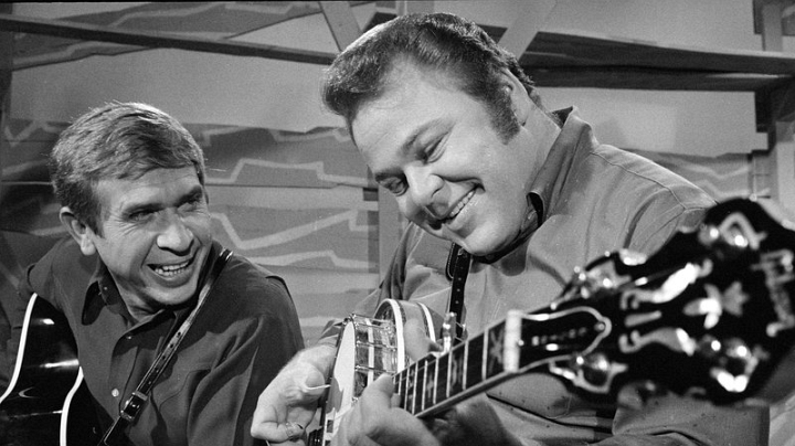 Remembering Roy Clark, Guitar Icon